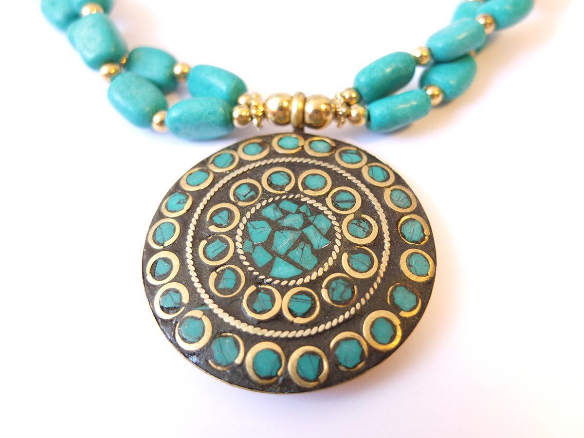 photo bronze céramique de couleur Inde turquoise